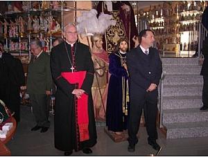 su eminencia el cardenal D.CARLOS AMIGO VALLEJO ARZOBISPO DE SEVILLA BENDICE LA NUEVA TIENDA DE BAMBALINA ARTICULOS RELIGIOSOS DE SEVILLA